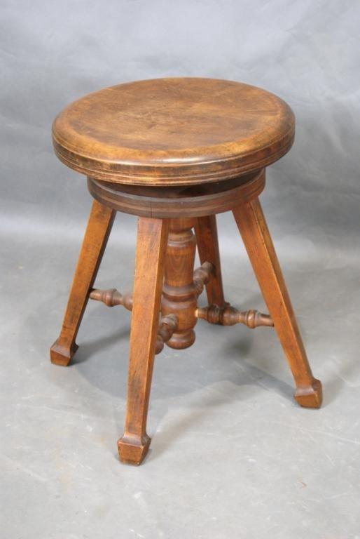 7A: Craftsman piano stool