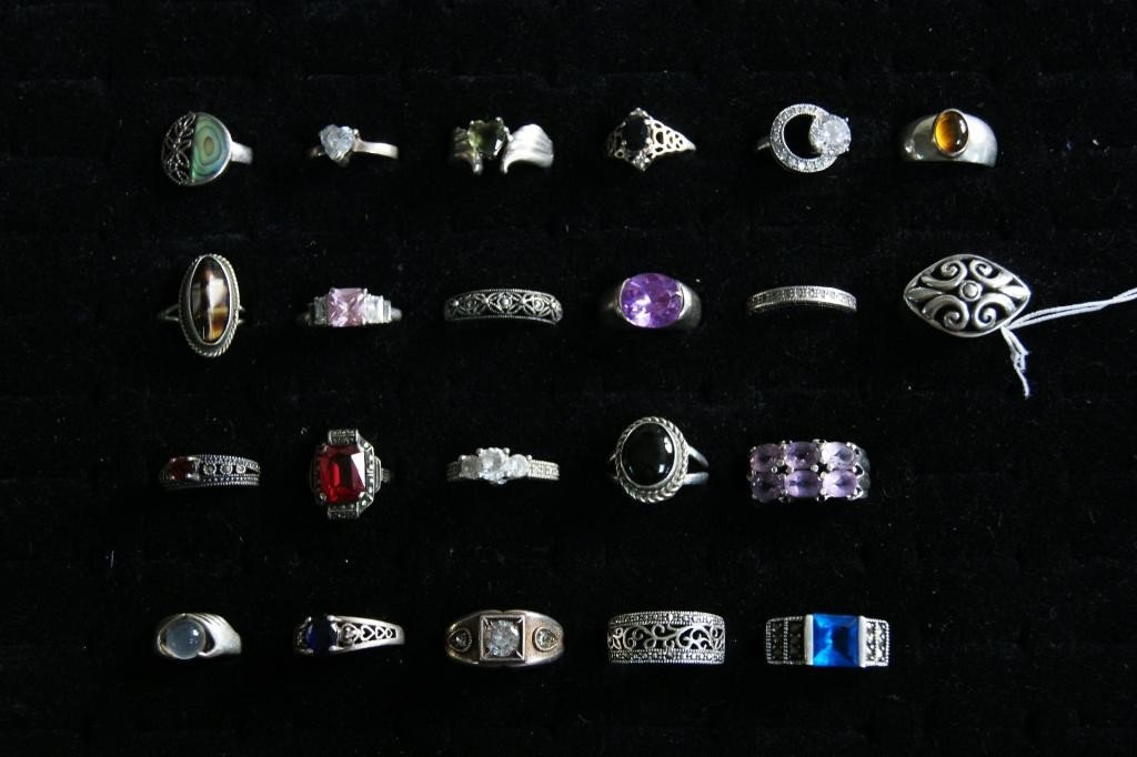 17: Collection of Silver Rings, some filigree, semi