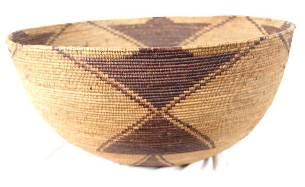 "188: Yuki large basket 20"" diam x  9.5""  tall"