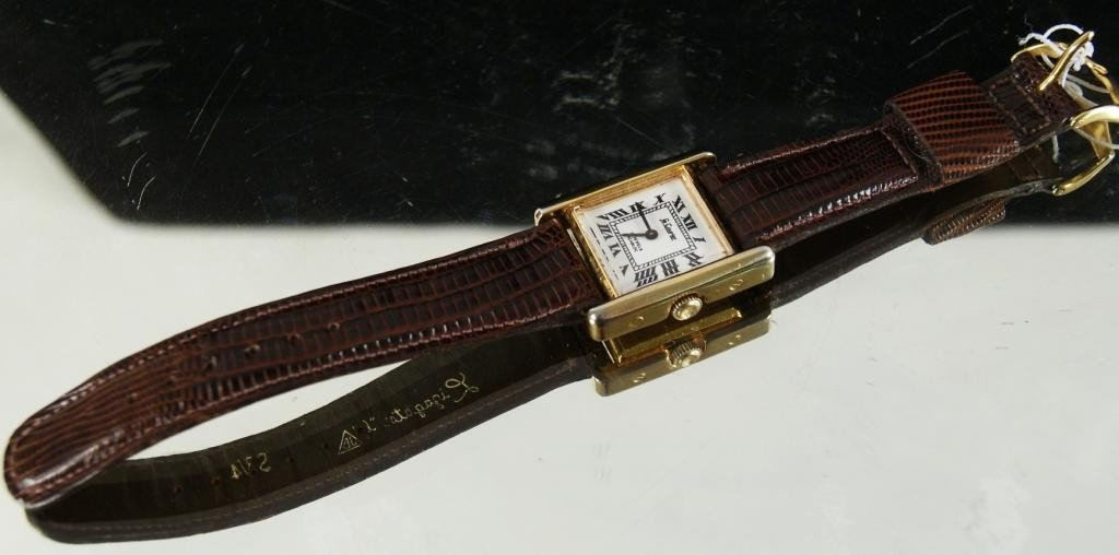 6: Le Courier 17 jewel watch with leather band