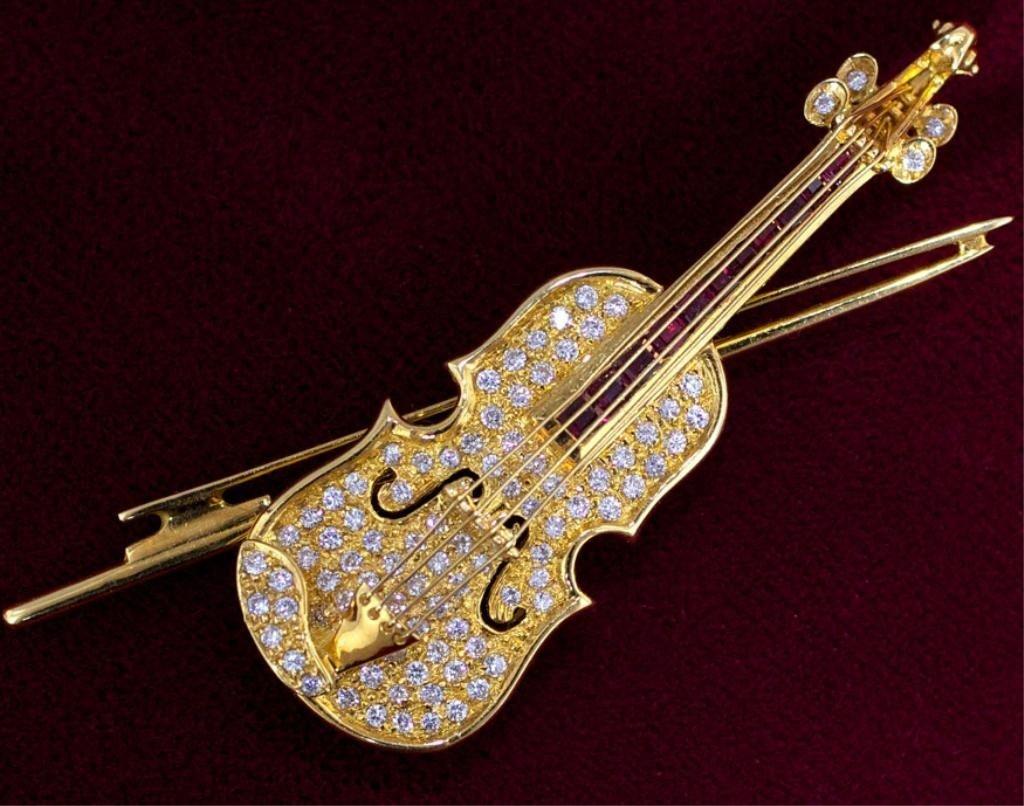 227: 18kt gold violin pave diamond brooch  app 1ctw