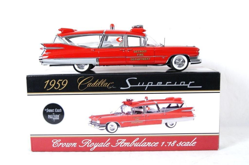121: 1959 Cadillac Crown Royale Ambulance 1:18 DieCast - 9