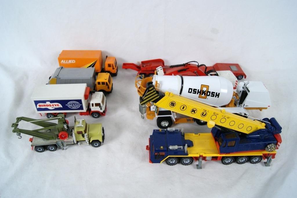 1: Collection of 8 Siku Work Vehicles
