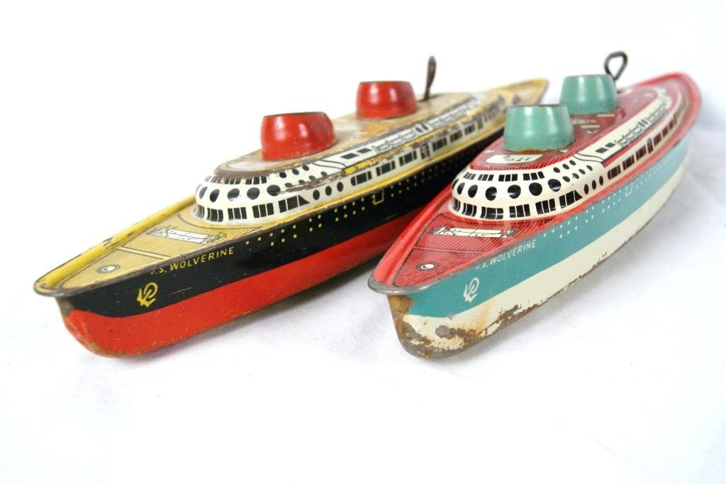 """5: Pair of Vintage Wolverine 16"""" wind up boats"""