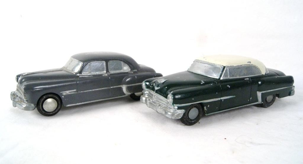 9: Pair of Vintage Banthrico bank cars -