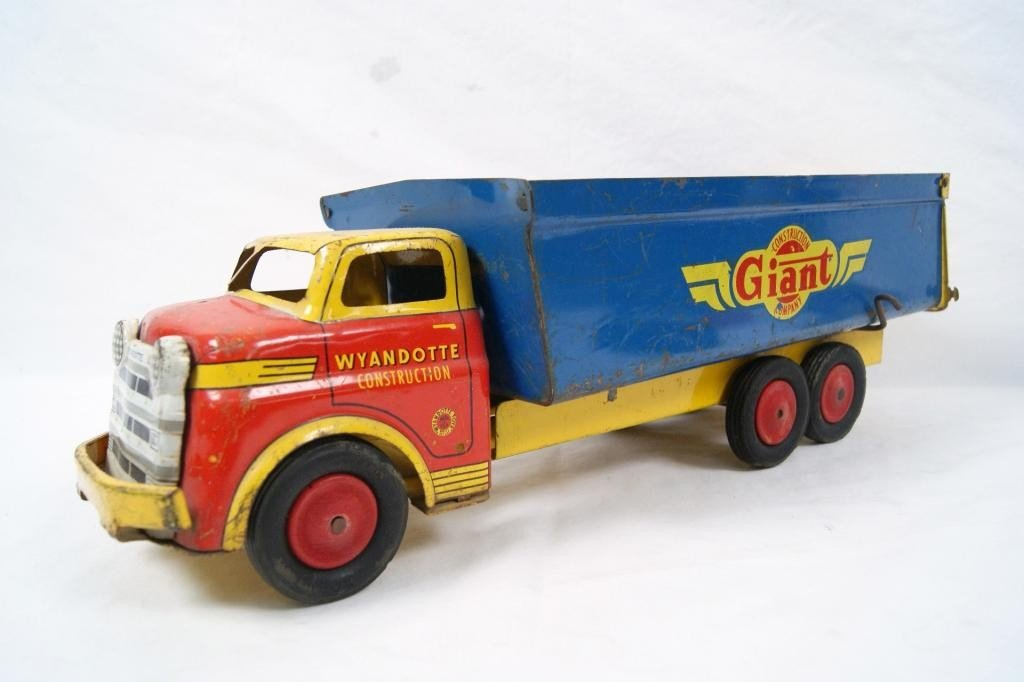 "12: Vintage Wyandotte ""Giant"" Construction Truck"
