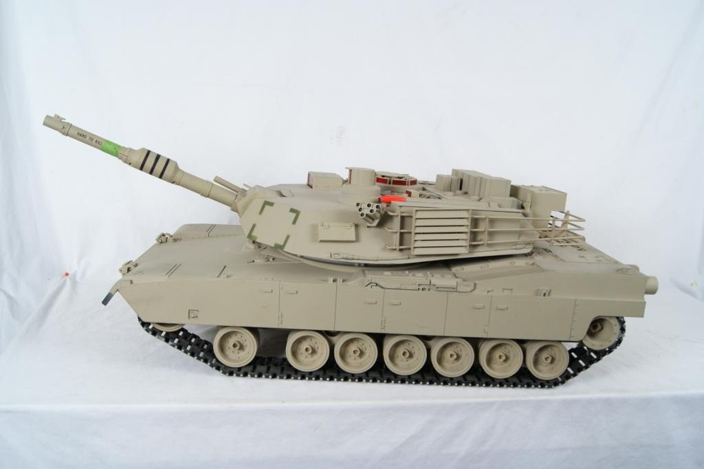 14: Remote Control Beige Military Tank 3'
