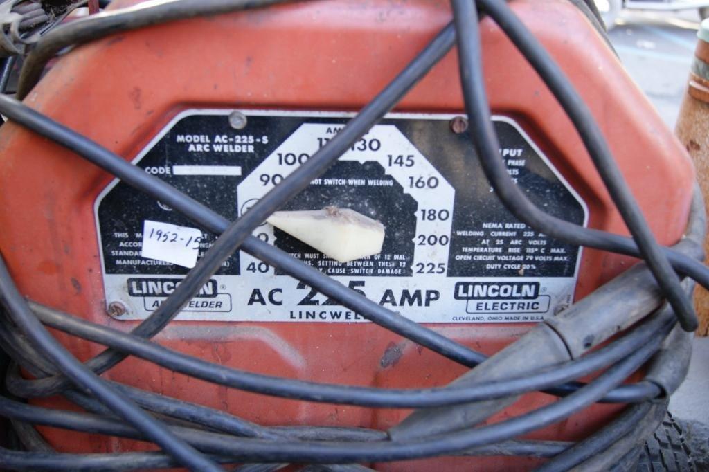 81: Lincoln 220 Arc Welder - 3