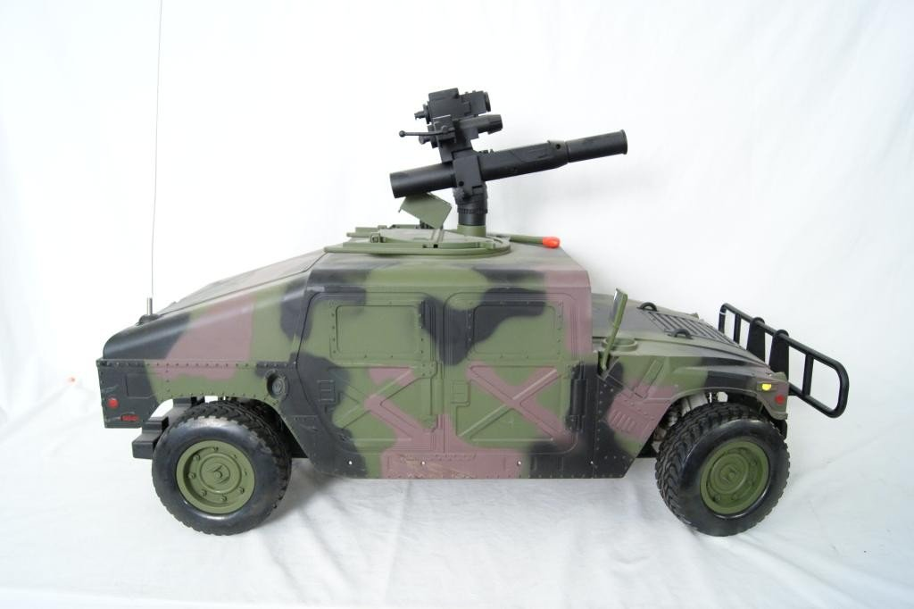 93: Large 21st Century Toys Radio Control Humvee. - 3