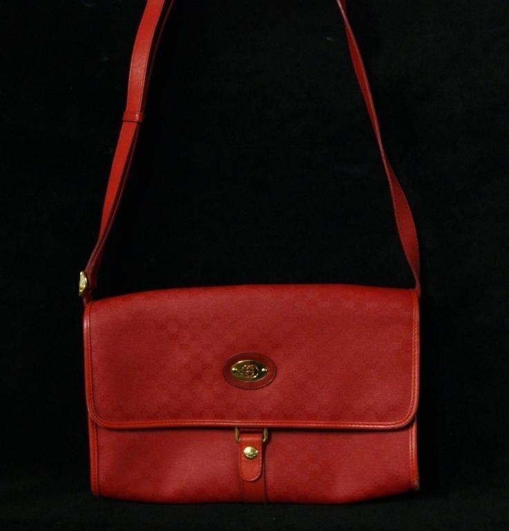 12: Vintage Gucci Purse - Like New