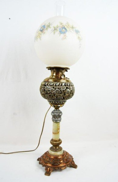 20: Antique American Gone w/ the wind brass lamp