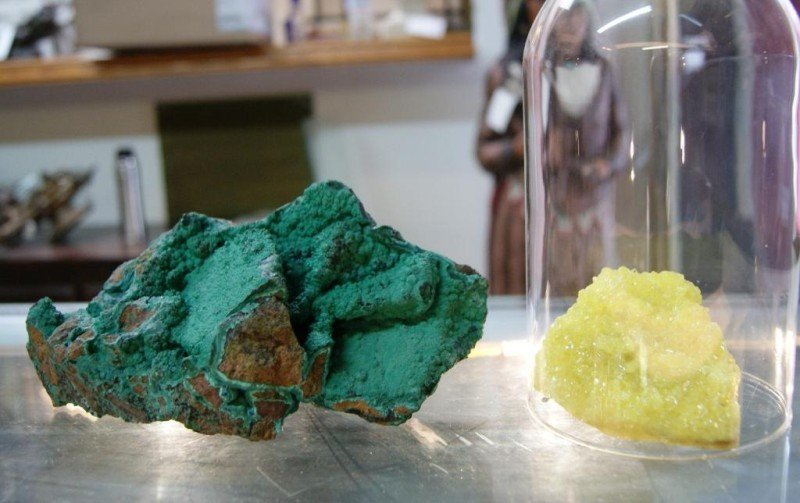 413: Malachite & Sulphur mineral specimens - 2