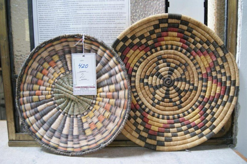 "420: 2 Hopi trays - 10"" & 12"" Polychrome"