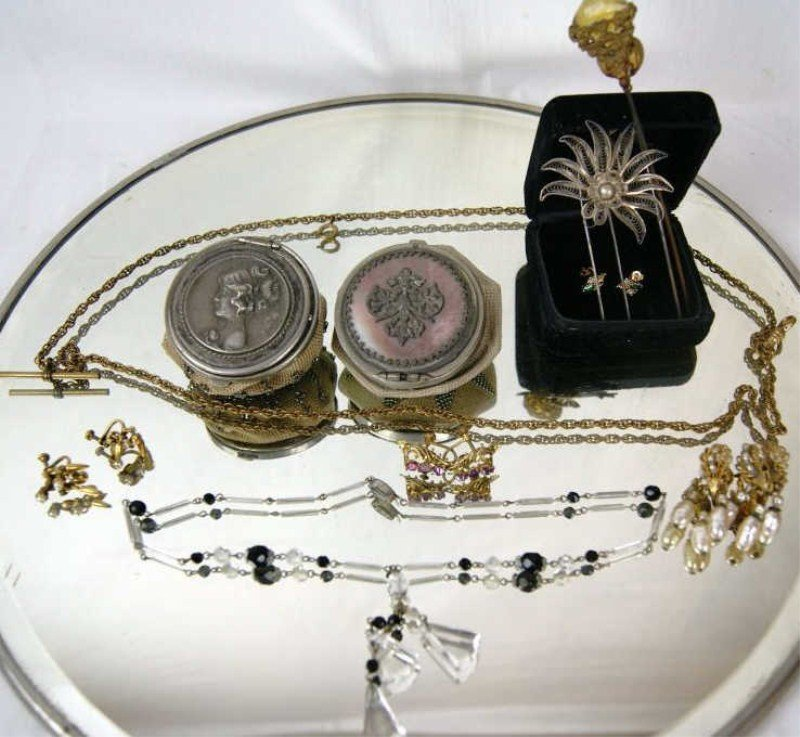 3: Gold earrings, lot of hat pins, beaded coin purses