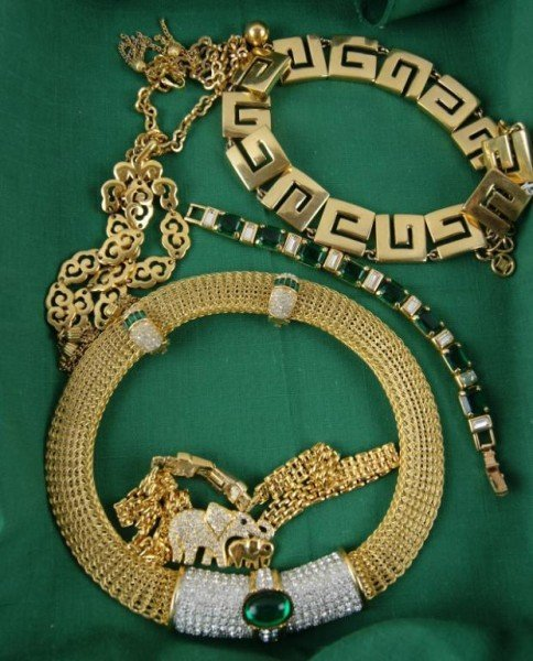 4: Collection of vintage costume jewelry - Trifari +