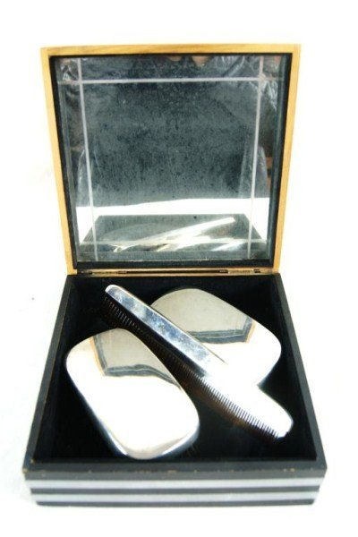 10: Sterling silver 3 pcs brush & comb set in orig box
