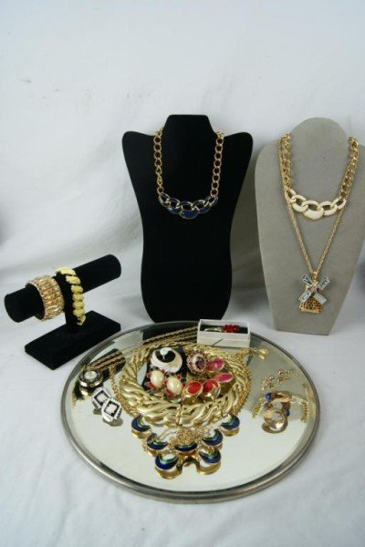 20: Vintage estate jewelry - Napier & Florenza,