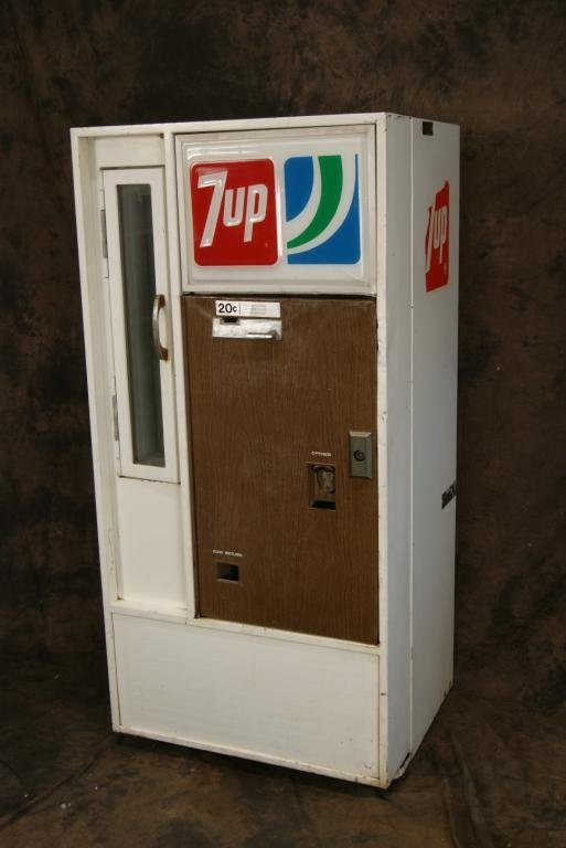 Vintage 20c 7-Up Vendorlator Vending Machine