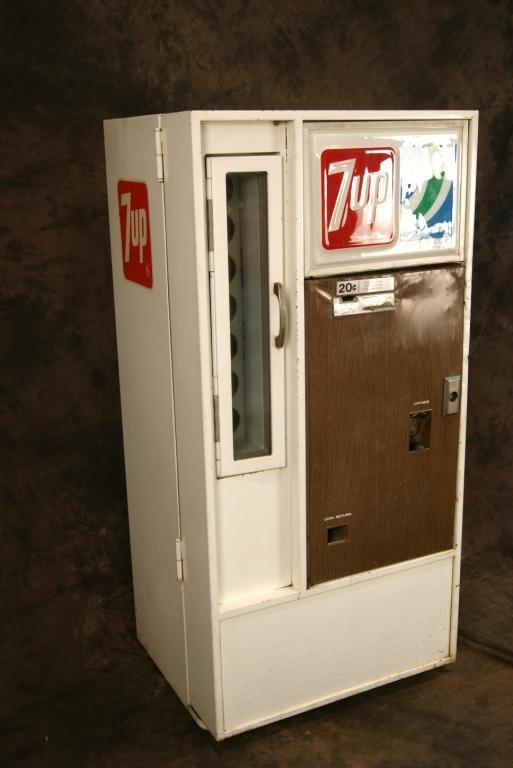 Vintage 20c 7-Up Vendorlator Vending Machine - 2