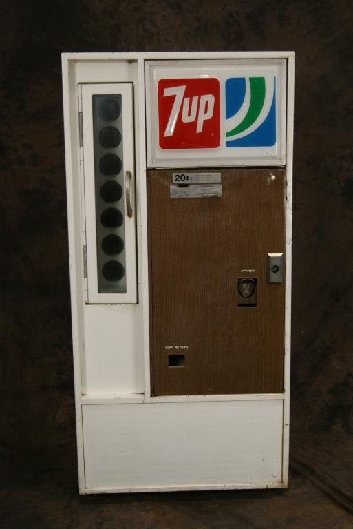 Vintage 20c 7-Up Vendorlator Vending Machine - 3