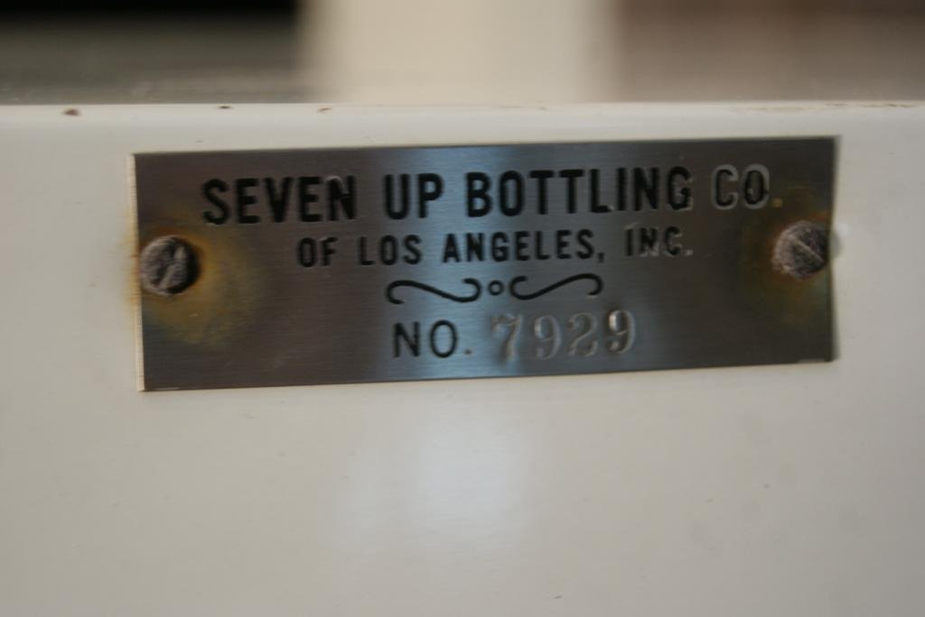 Vintage 20c 7-Up Vendorlator Vending Machine - 6