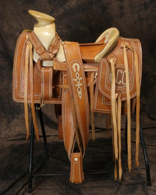 """Vintage Mexican """"Charro"""" saddle in new shape - 8"""