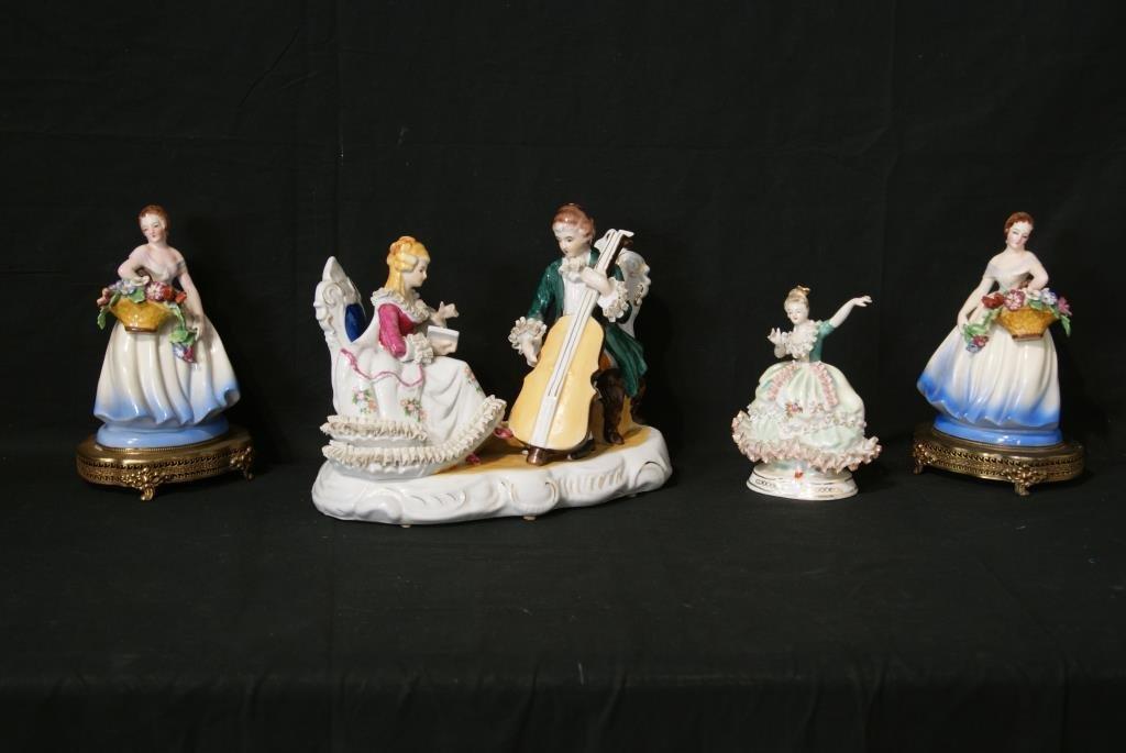 Porcelain figures - some lace - 4pcs