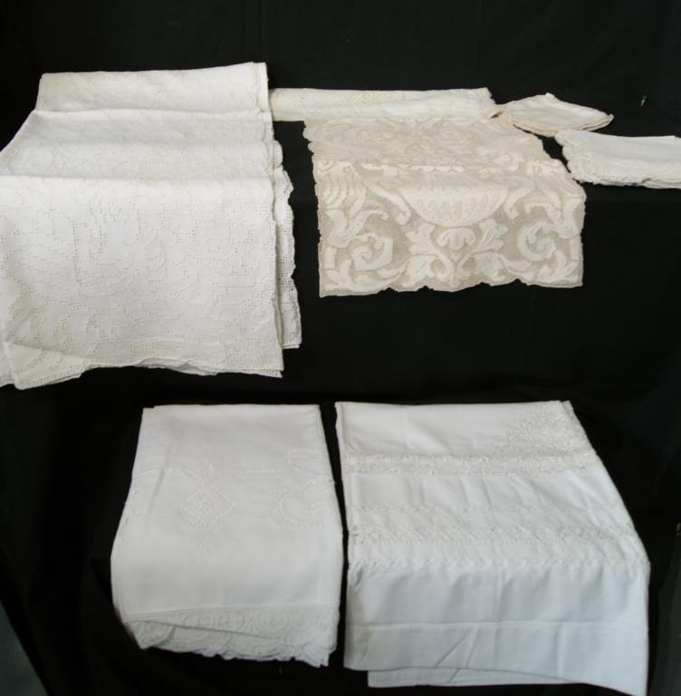 Collection Vintage Linens and Embroideries