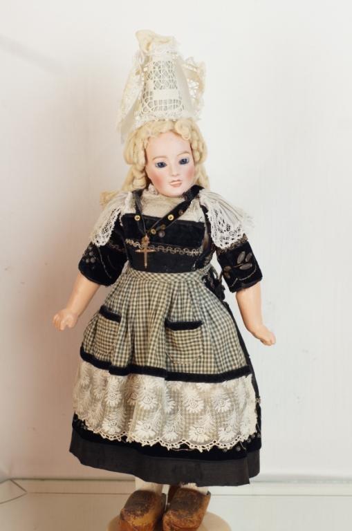 "Lanternier 15"" lady doll - very rare, all original"