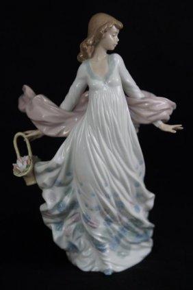 "Lladro Figurine. #5898. ""spring Splendor."""