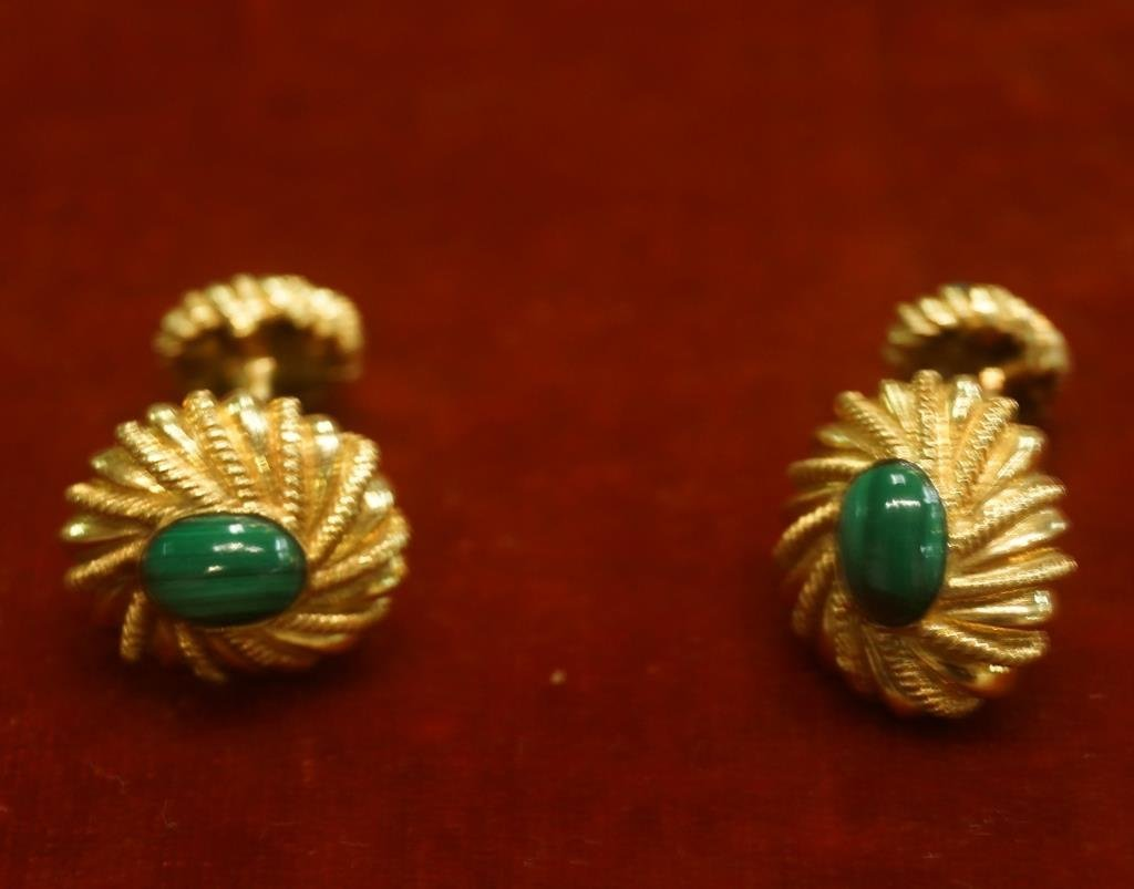 Tiffany 18kt Gold Gents cufflinks with Malachite