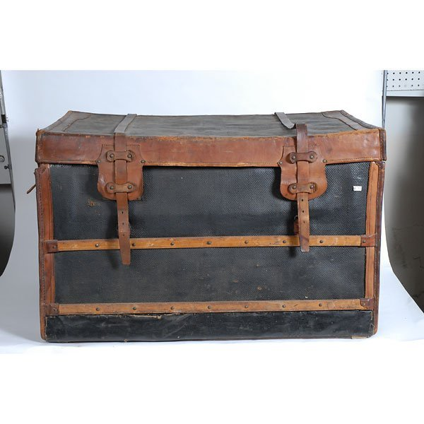 3032: Antique Leather two-tone black/brown chest Trunk