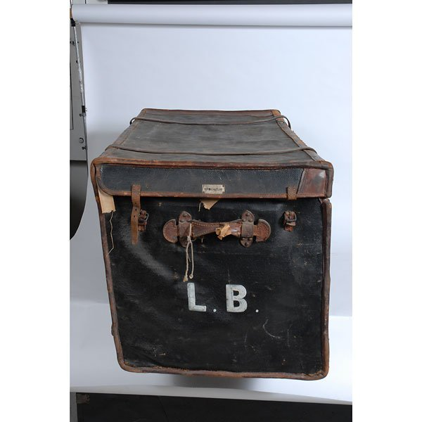 3032: Antique Leather two-tone black/brown chest Trunk - 5