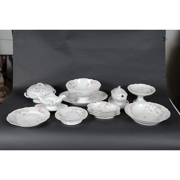4006: 15 piece fine china set with pink and blue flower