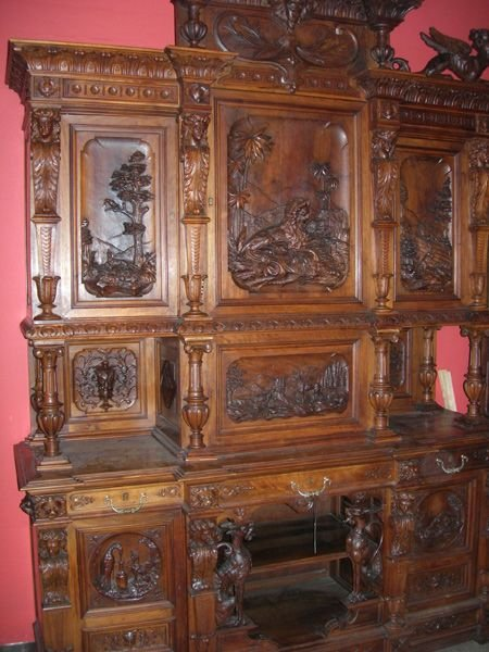 4080B: Antique Sideboard Immaculate Carvings