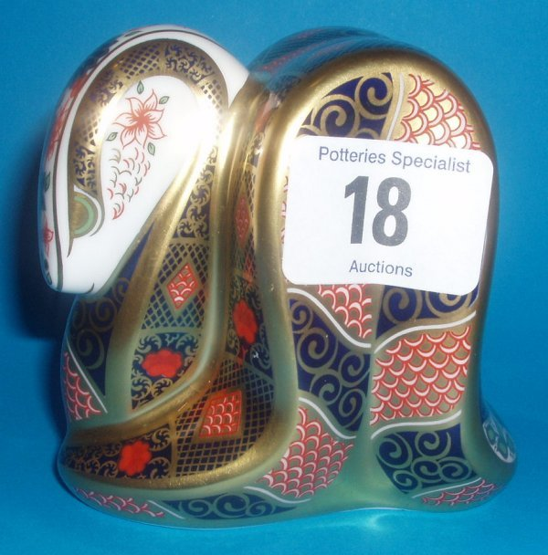 18: Royal Crown Derby Paperweight Old Imari Snake Boxed