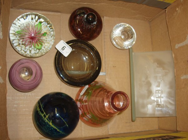 6L: A Collection Of Glass Collectables To Include Paper