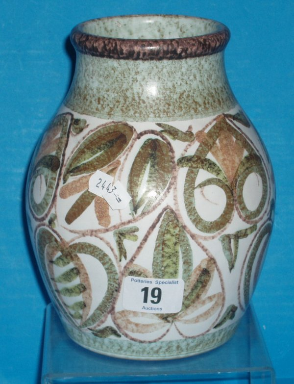 19L: Denby vase designed by Glyn Colledge , height 19cm