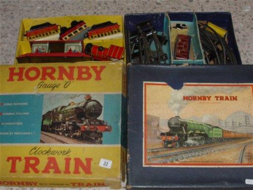 22: Hornby O Gauge Clockwork Train set No 21 Passenger