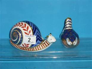 Royal Crown Derby Paperweights Snail and Wren (gold