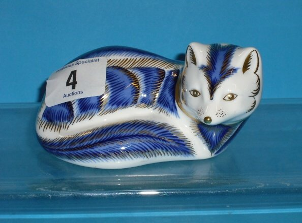 4L: Royal Crown Derby Paperweight Blue Lying Fox  (No S