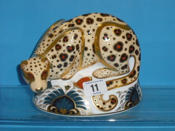 11L: Royal Crown Derby Paperweight Savannah Leopard fro