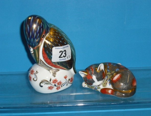 23L: Royal Crown Derby Paperweights Kingfisher and Catn