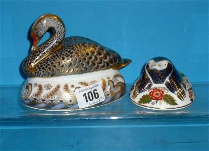 106L: Royal Crown Derby Paperweights Black Swan and Mol