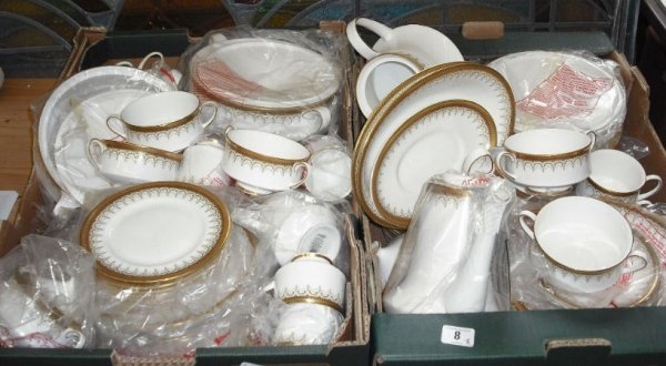 8: Large Collection of Paragon Devina Dinner & Tea Ware