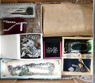 Job lot collection of jewellery and items: Includes