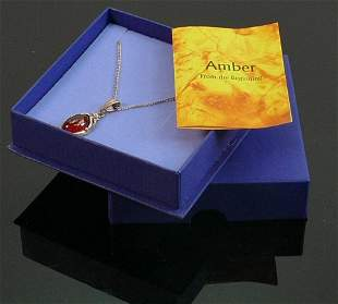 Amber & silver pendant and necklace:
