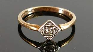 9ct gold diamond ring: size O, 2.1g.