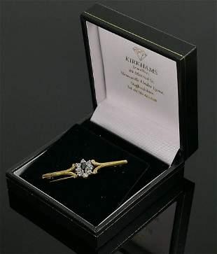 9ct gold gem set bar brooch 2.1g: