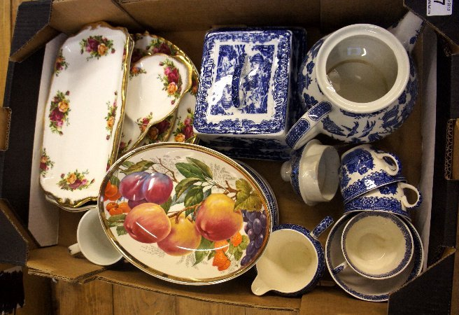 Collection of Royal Albert Old Country Rose plates and